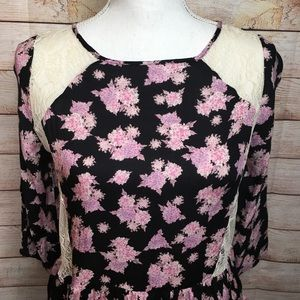 Lush Tops - Lush black floral 3/4 sleeves top with lace  M